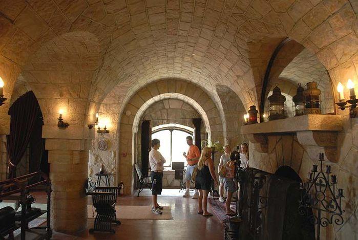 Замок Зингера (Singer Castle) на острове Дарк-Айленд (Dark Island) (Канада) 67386