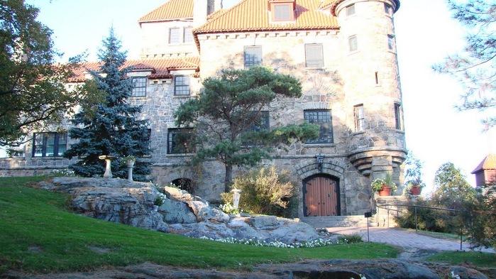 Замок Зингера (Singer Castle) на острове Дарк-Айленд (Dark Island) (Канада) 87503