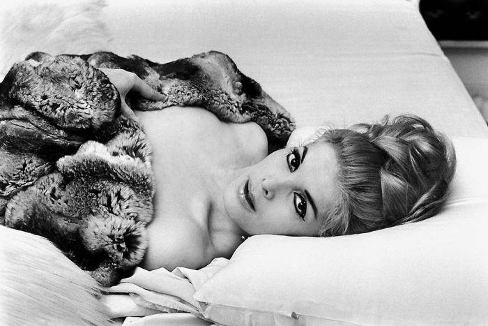 Парижские проститутки 1950-х годов. Ночная жизнь Франции 03 (700x467, 77Kb)