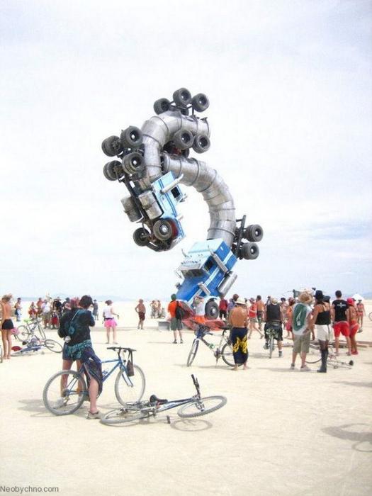Stand Out - современная скульптура Майка Росса
