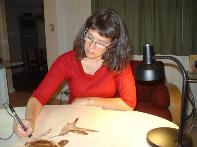 1328194794_juliebenderpyrography2 (660x494, 50Kb)