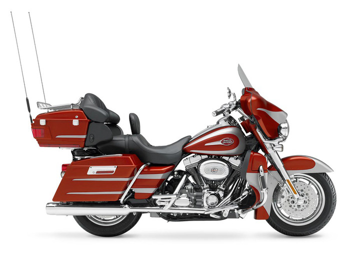 Harley_Davidson_CVO_Ultra_Classic_El_pic_59828 (700x525, 75Kb)