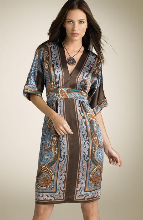 Модель платья из купонной ткани
