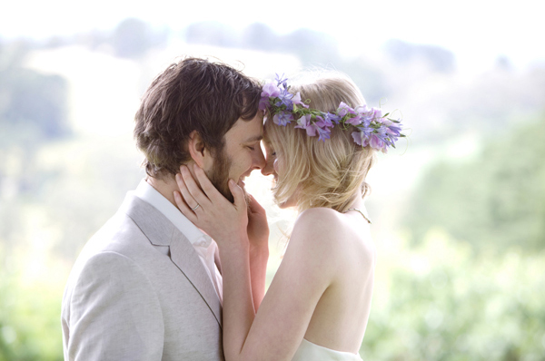 bride-groom-ceremony-kiss-2 (600x398, 151Kb)