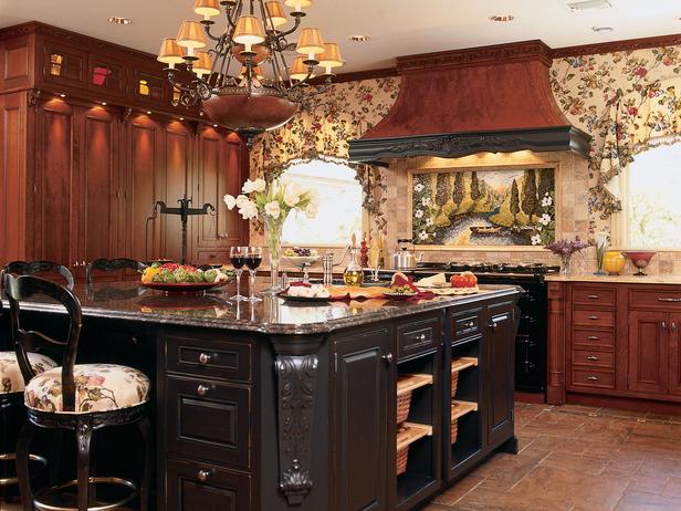 Вишневые... в английском стиле.  Классический интерьер кухни.