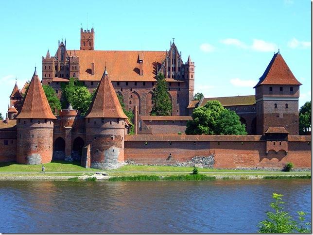 Marienburg_1_1 (644x484, 114Kb)