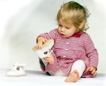 Умеем ли мы выбирать своим детям обувь?