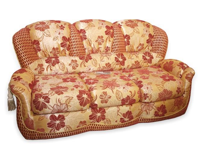 Чистка мягкой мебели из гобелена