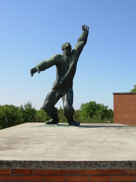 Памятники советского прошлого в Будапеште - Szoborpark 48104