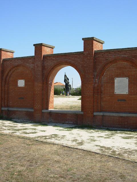 Памятники советского прошлого в Будапеште - Szoborpark 67912
