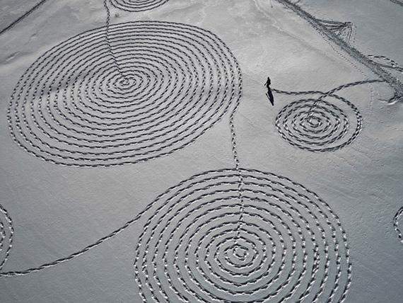 рисунок на снегу 4 (570x428, 145Kb)