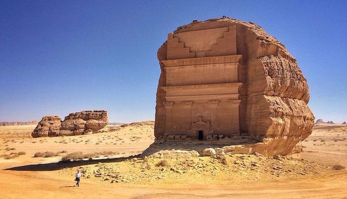 Гробница Каср аль-Фарид Саудовская Аравия 5 (700x401, 292Kb)