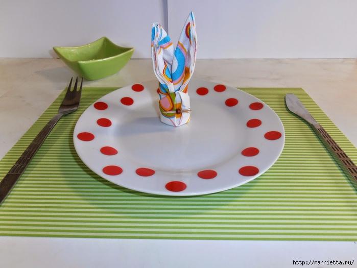 Кролики из салфеток для праздничной сервировки стола (15) (700x525, 231Kb)