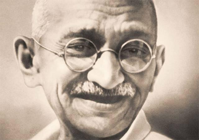 1250487542Mahatma_Gandhi (640x452, 31Kb)