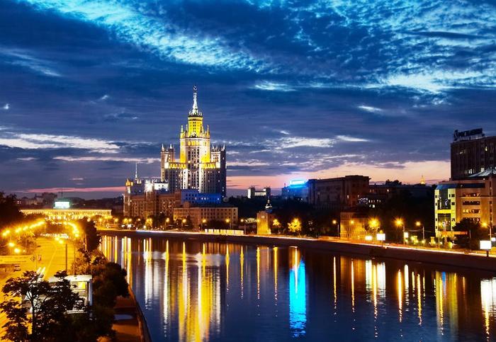 Москва вечерняя 21 (700x483, 425Kb)