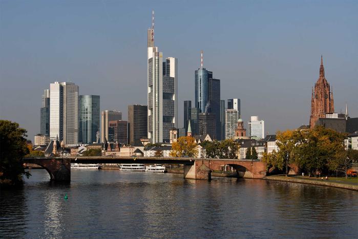 1. Панорама города (700x467, 306Kb)