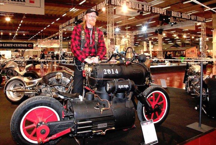 черная жемчужина мотоцикл в стиле стимпанк 3 (700x469, 401Kb)
