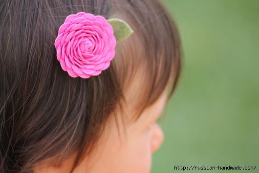Украшаем заколку цветами из ленты зигзаг (7) (530x354, 99Kb)
