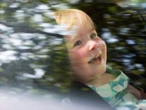 ребенок-в-автомобиле-300x225 (300x225, 18Kb)