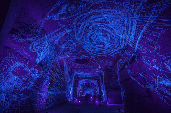 инсталляция звездные пещеры Жюльен Салю 1 (700x466, 435Kb)
