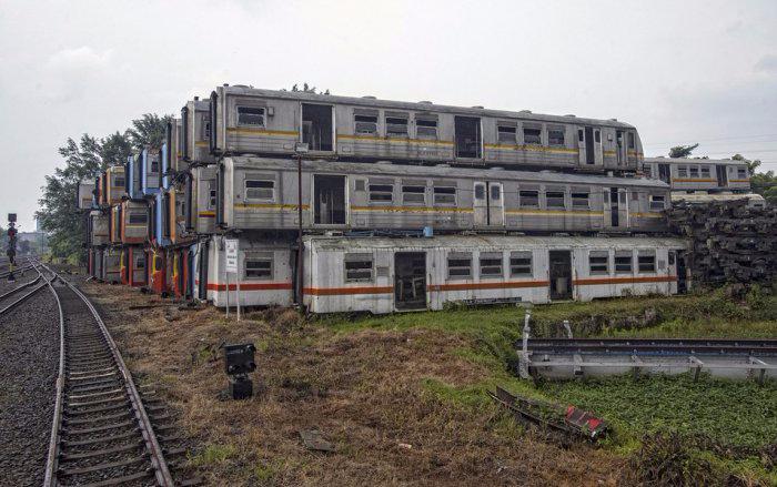 железнодорожная станция Пурвакарта в Индонезии 2 (700x439, 274Kb)