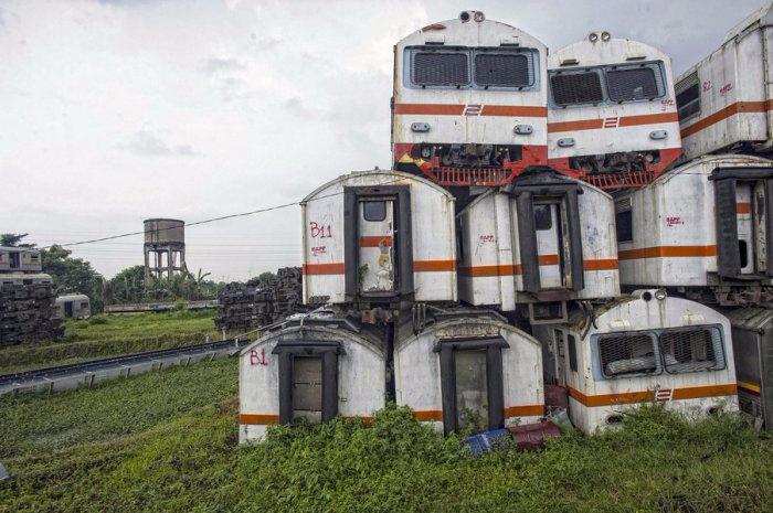 железнодорожная станция Пурвакарта в Индонезии 4 (700x465, 297Kb)