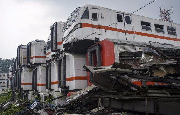 железнодорожная станция Пурвакарта в Индонезии 6 (700x447, 230Kb)