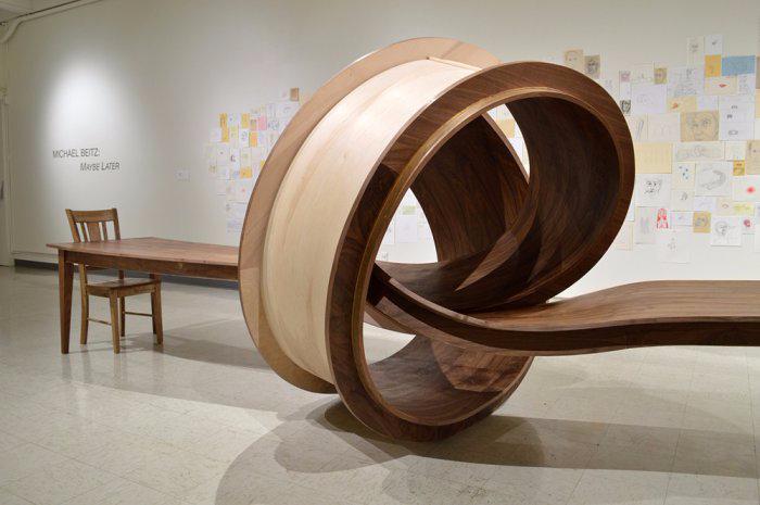 столы Майкла Бейтца 3 (700x465, 200Kb)