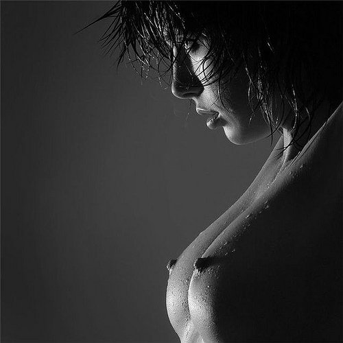 1243333371_black__white_erotic_42 (500x500, 32Kb)