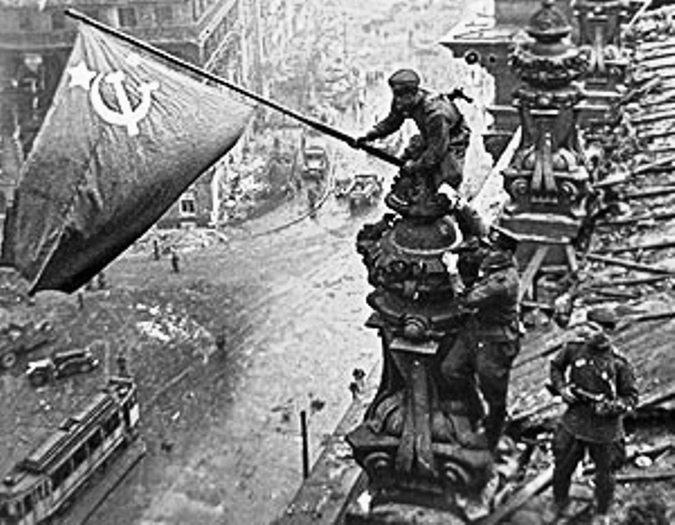 Тёлка ибётся в армии с кучей солдат 11 фотография