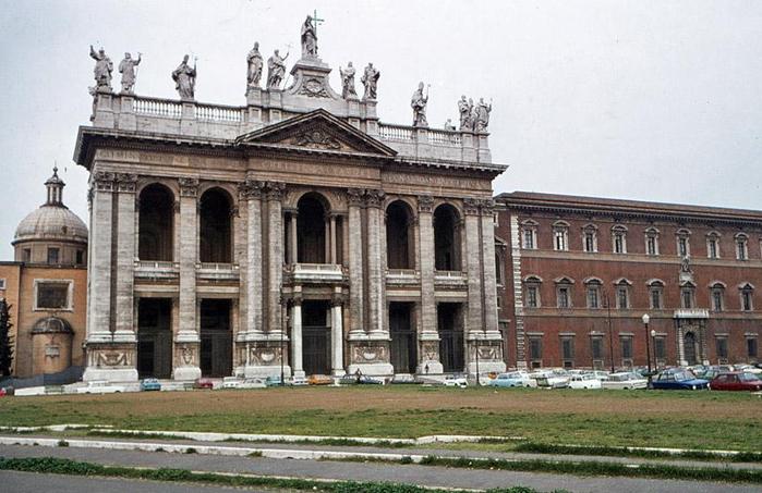 1. Рим кафедральный Собор Святого Иоанна Крестителя (700x453, 331Kb)
