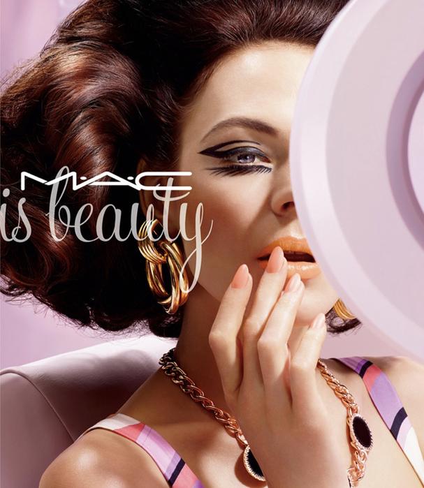 модная фотосессия MAC Cosmetics 4 (607x700, 438Kb)