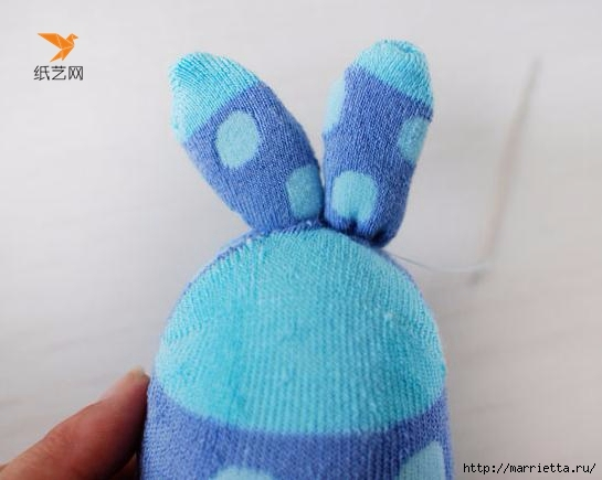Забавные кролики из носков. Мастер-класс (11) (545x435, 92Kb)