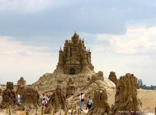 1220314855_best-sand-sculptures11 (520x383, 40Kb)