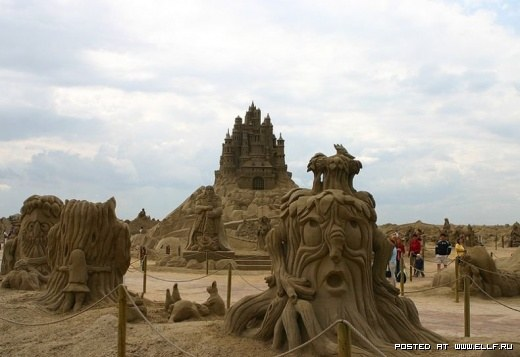 1220314876_best-sand-sculptures8 (520x357, 37Kb)