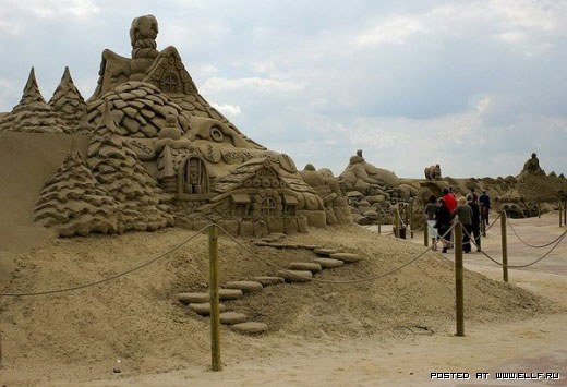 1220314992_best-sand-sculptures24 (520x355, 48Kb)