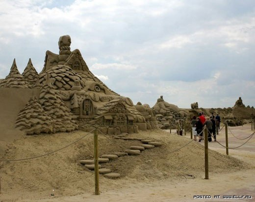 1220315005_best-sand-sculptures22 (520x412, 47Kb)