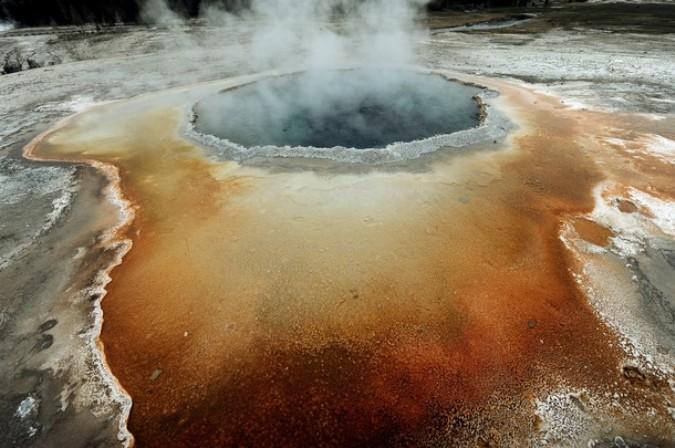Йеллоустонский национальный парк (Yellowstone National Park), Вайоминг, 1 июня 2011 года./2270477_14_1_ (675x448, 99Kb)