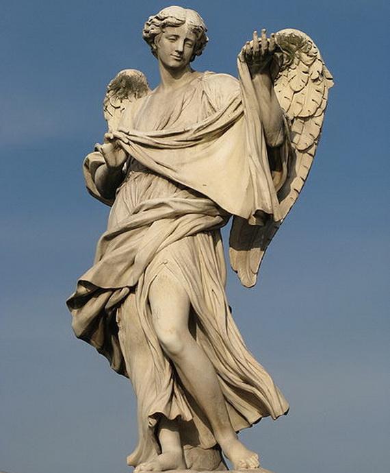 450px-Cosimo_Fancelli-Angel_bearing_Veronica's_Veil-Ponte_Sant_Angelo (570x690, 110Kb)