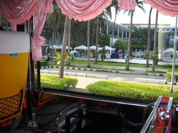 обзорный автобус/2757491_foto_132 (700x525, 319Kb)