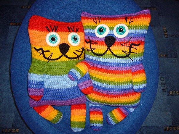 вязанная в виде кота шапка - Выкройки одежды для детей и взрослых.