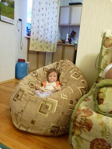 yulya_v_kresle (360x480, 54Kb)
