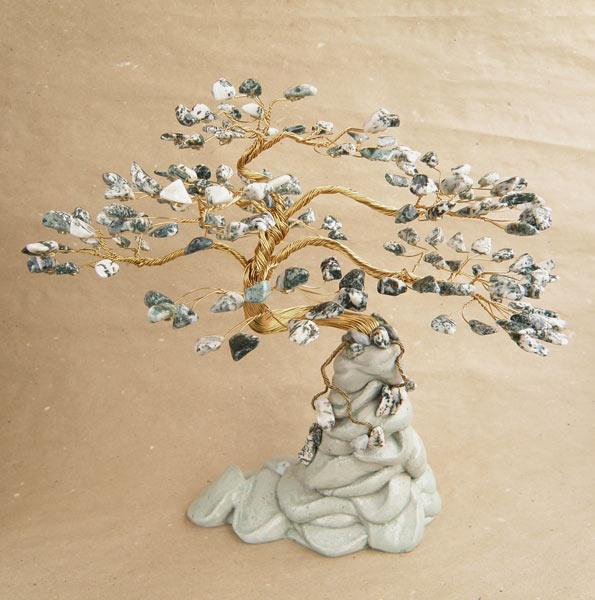 Поделка дерево из камней