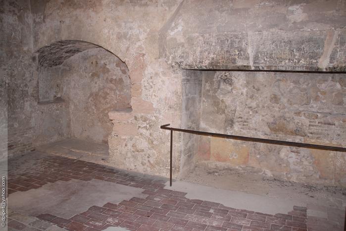 подземелье сэра Хозьер (700x466, 207Kb)