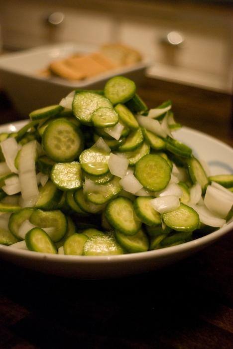 огурцы/4278666_4281209070_24228bf1e3_Cucumber_Salad_O (468x700, 210Kb)