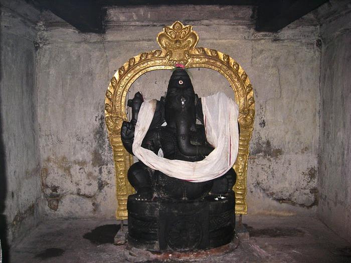 Танджавур - Брихандишвара Мандир (Brihadishwara Mandir) 80041
