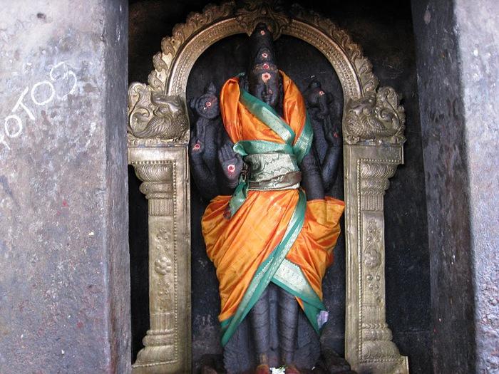 Танджавур - Брихандишвара Мандир (Brihadishwara Mandir) 77718