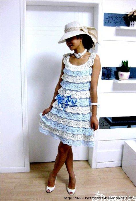 Каскадное платье крючком идеи фото схема описание.