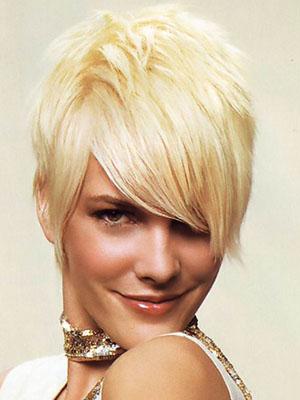 Причины появления прыщей в волосах, приводящих к выпадению