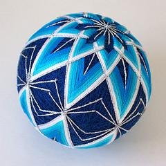 Японское вышивание, шарики темари/4394340_4115566689_66551205cf_m (240x240, 71Kb)/4394340_4084242004_5104d8877b_m (240x240, 69Kb)